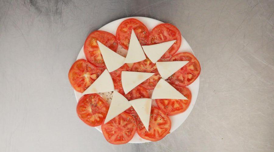 Domatesli Kibris Salatasi