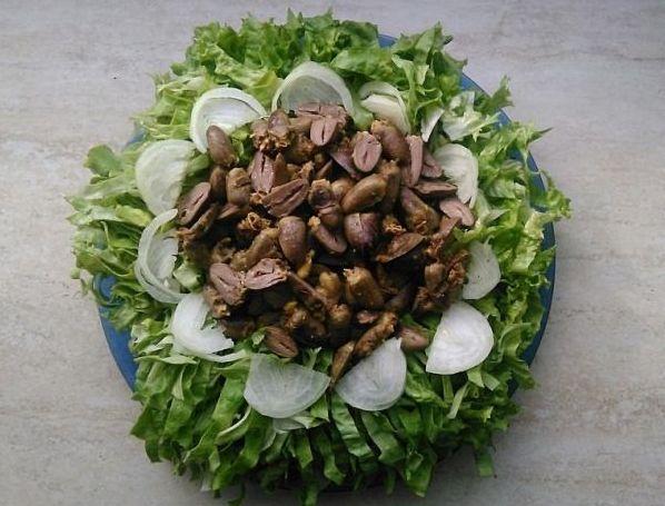 Tavuk Yuregi Salatasi